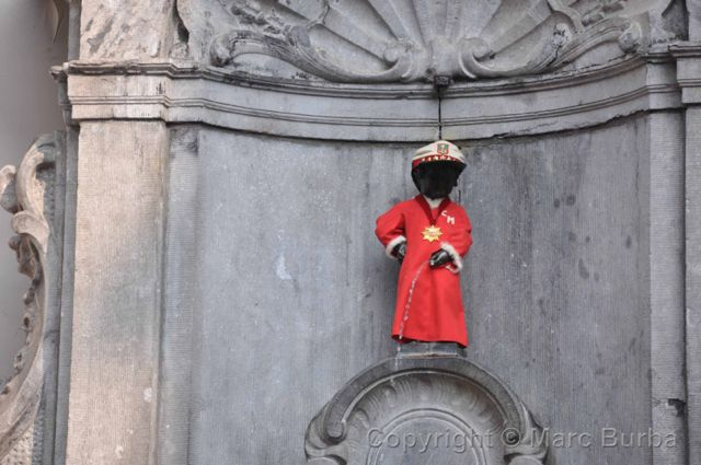 Advise Belgian peeing statue thanks